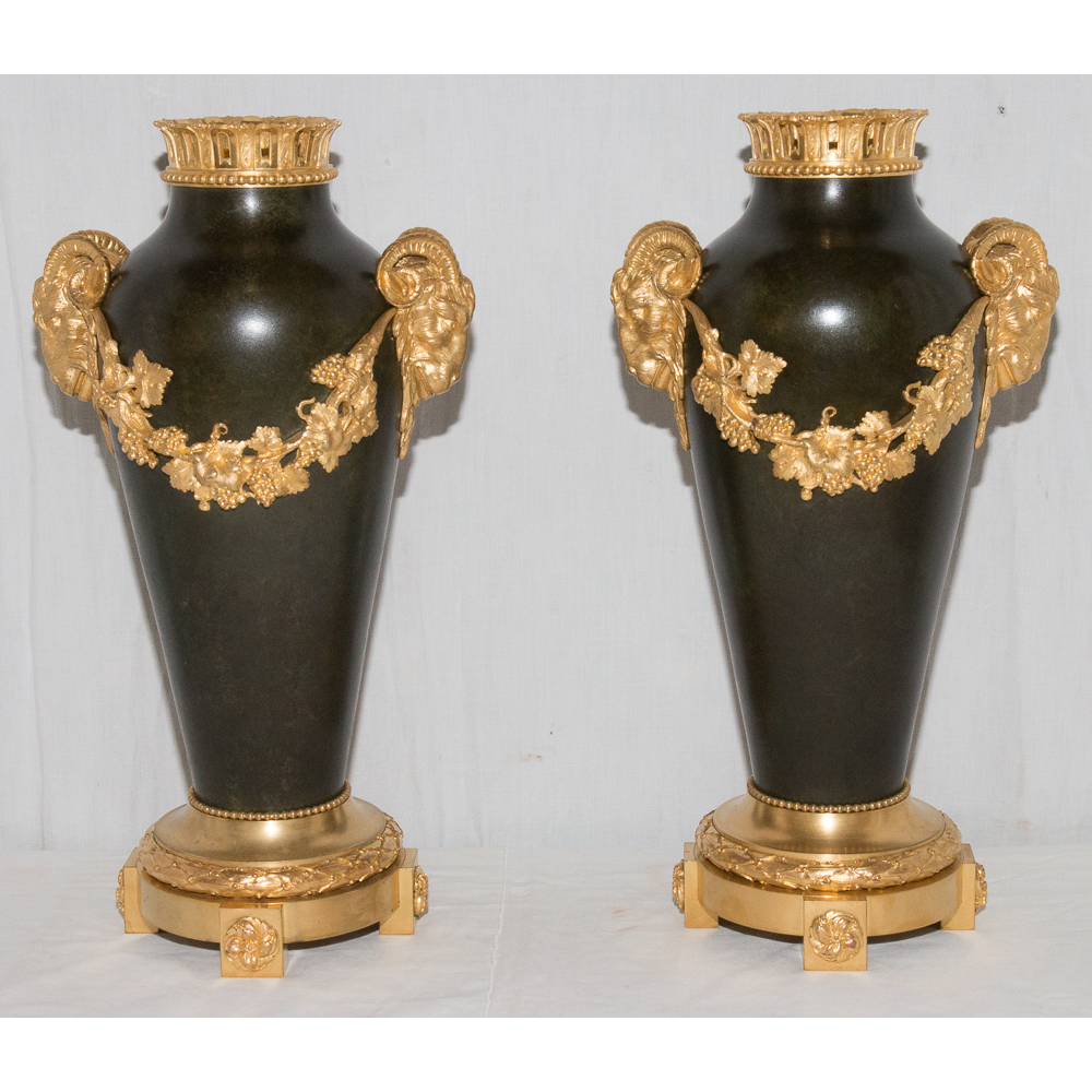 paire de vases en bronze cachet thiebaut fr res paris circa 1900 galerie lauretta. Black Bedroom Furniture Sets. Home Design Ideas