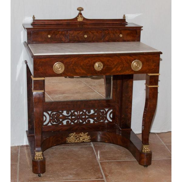 Table De Toilette En Acajou époque Restauration 1820-1830