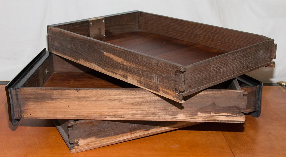 Bureau plat laqué noir style louis xv époque napoléon iii